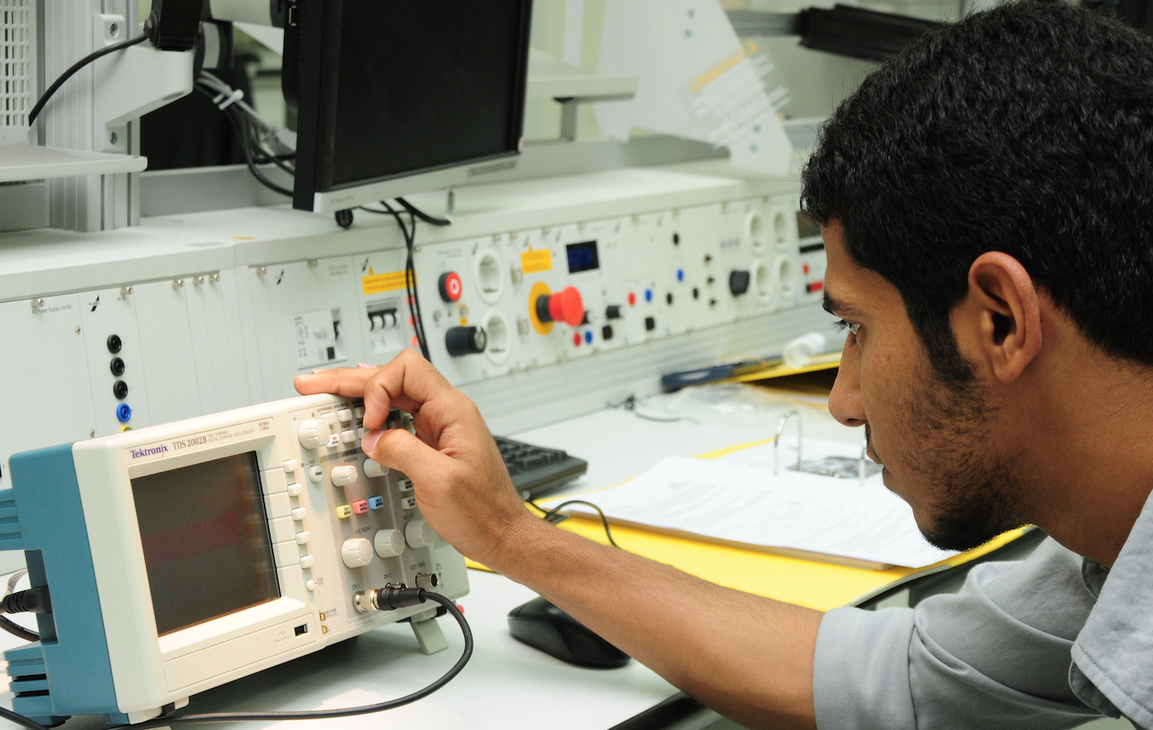 Electrical Engineering Technology Applied College Riyadh Electronic And Control
